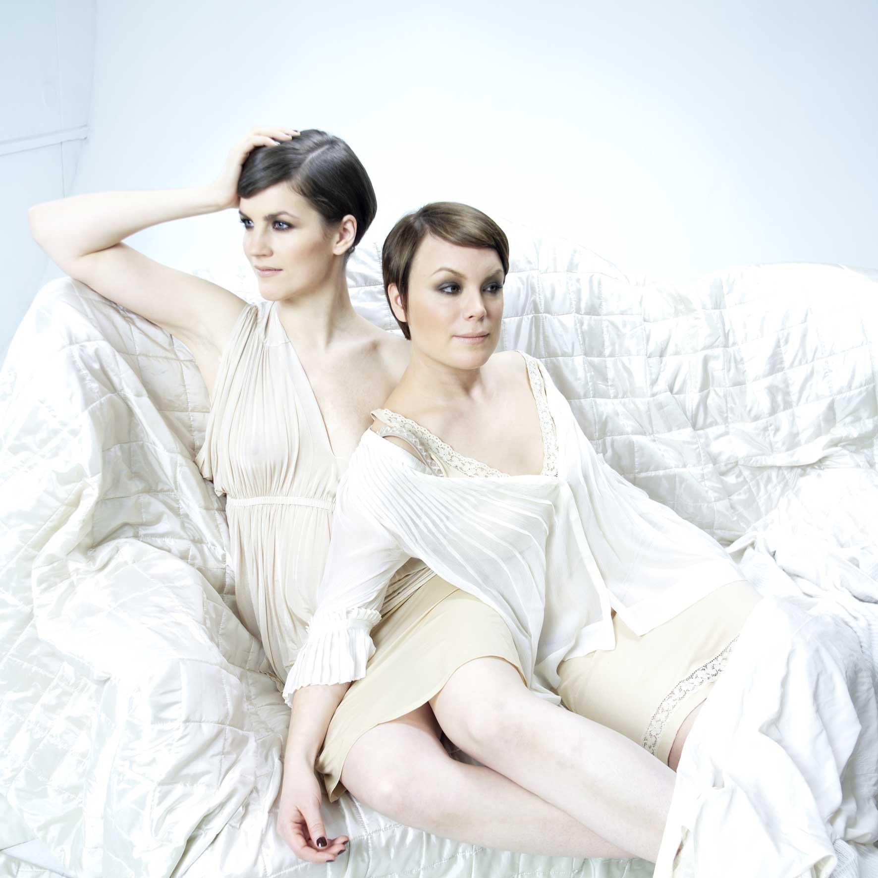 Maria Ylipää ja Emma Salokoski